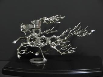 ネジアート麒麟 すべて手作りユニークアート雑貨 インテリアやプレゼントに最適です。