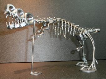 ネジアート 大型ティラノサウルス骨格