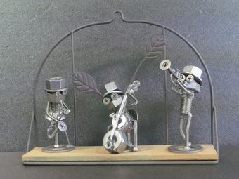 ネジアート 街の音楽隊 手作りアート作品